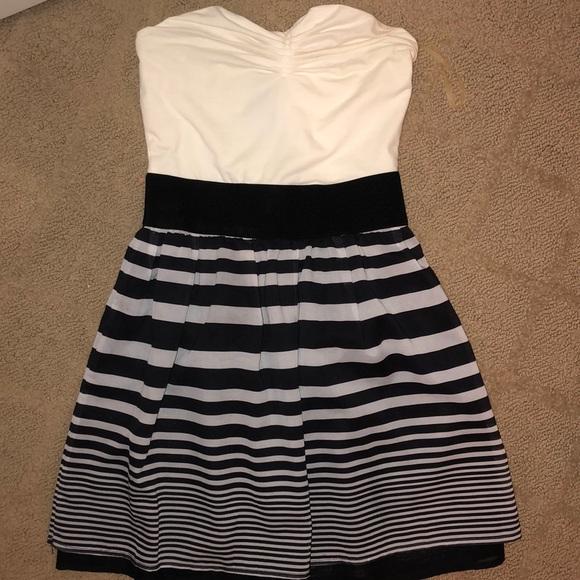Charlotte Russe Dresses & Skirts - strapless striped dress
